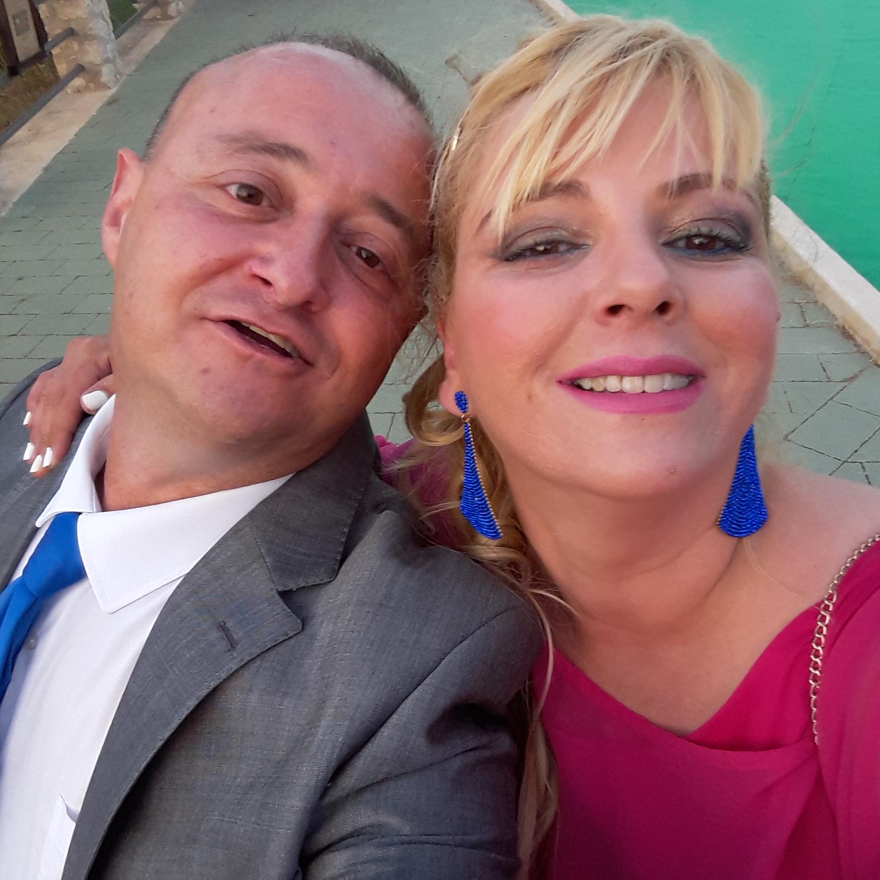Aquí puedes verme, junto a mi mujer Katy Miras